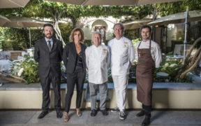 Team e chef del ristorante stellato Antica Corona Reale a Cervere.