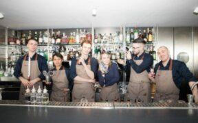 lo staff del Piano 35 Lounge Bar a Torino