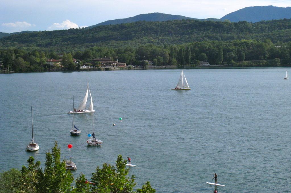 Il lago Grande di Avigliana.